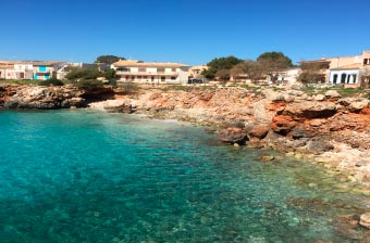 Enjoy the surroundings of Cala Morlanda Estudios en s'Illot